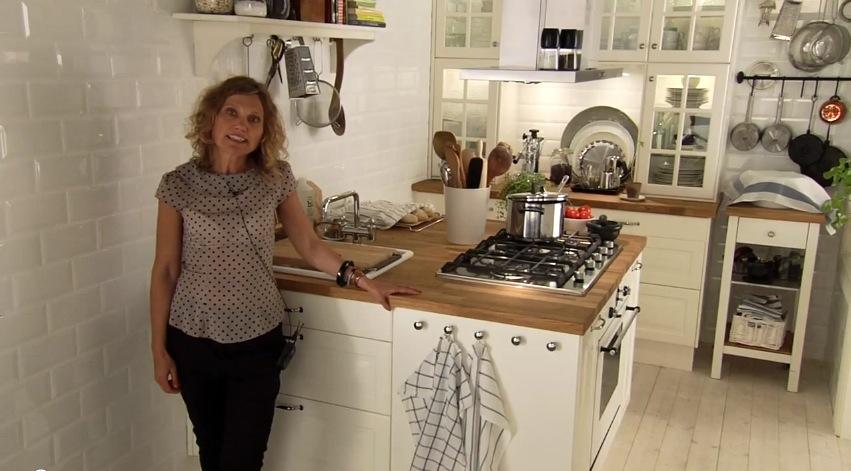 White Kitchen Islandinterior Design Ideas
