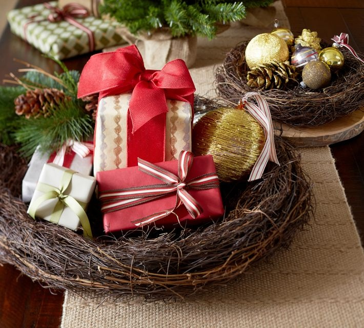 Christmas Holiday Table Decorations: Christmas Centerpieces