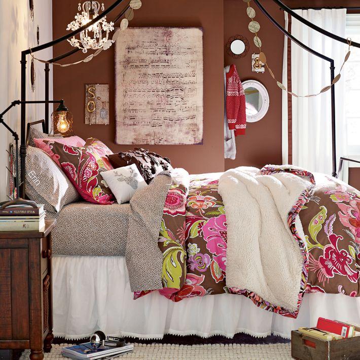 4 Teen Girls Bedroom 15
