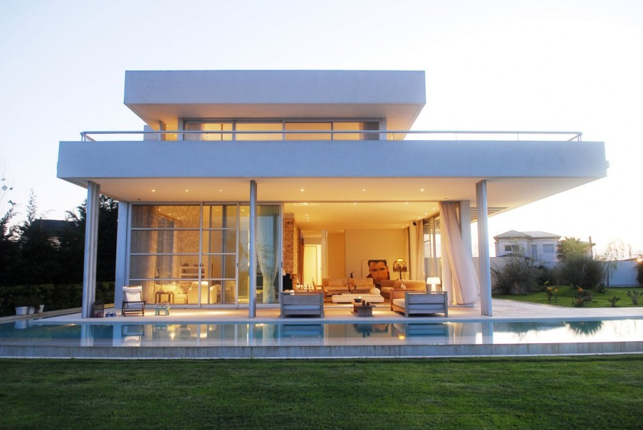 Luxurious Open Air Home Built For Two