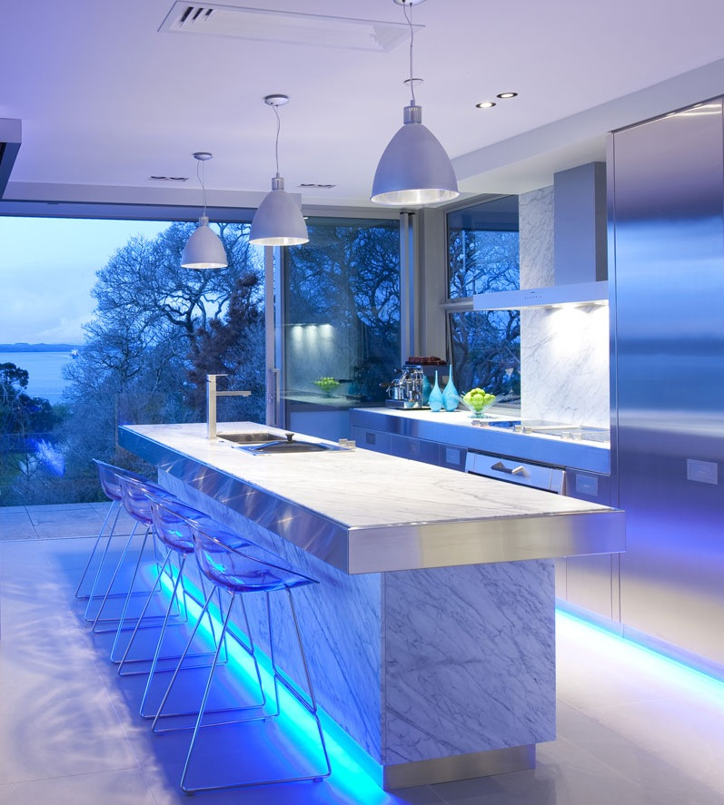New Home Designs Latest Ultra Modern Kitchen Designs Ideas: Blue Highlighted Modern Kitchen