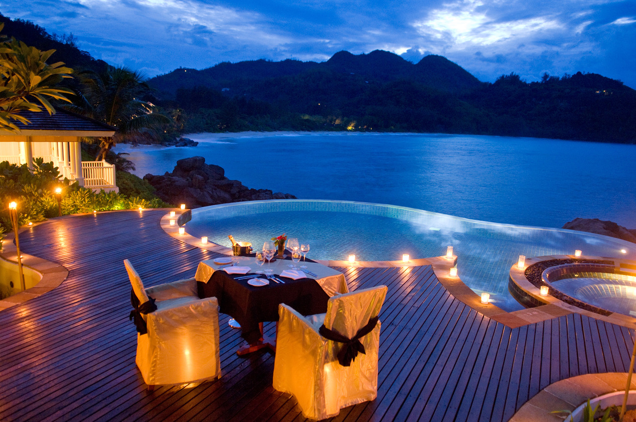 31 Picturesque Romantic Places to Draw Inspiration From