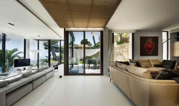 An mở, ánh sáng đầy sàn kế hoạch cung cấp thoải mái tuyệt vời cho giải trí hay thư giãn.
