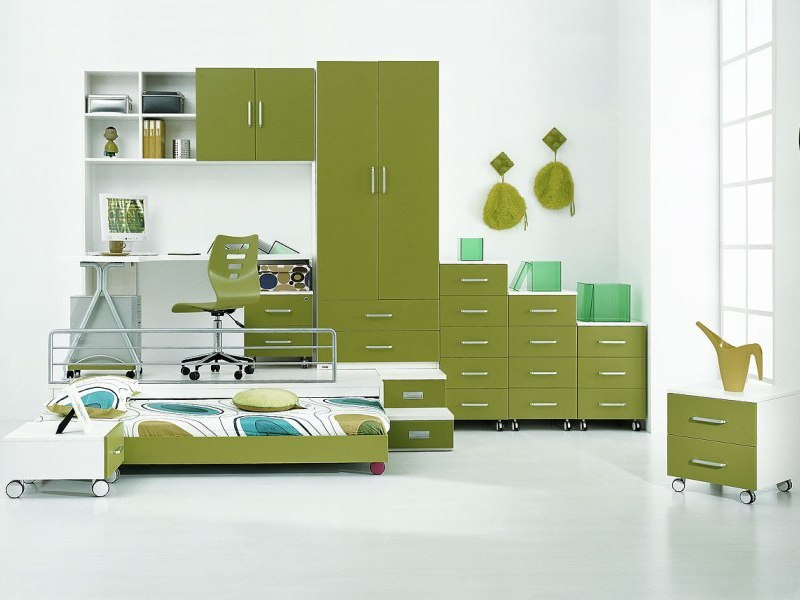 Boy Bedroom Storage: Green Mobile Storage Trundle Bed Boys Room