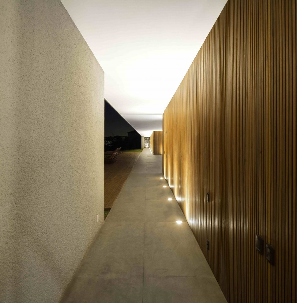 Marcio Kogan S Casa Lee Concrete House Wood Clad Hall Up