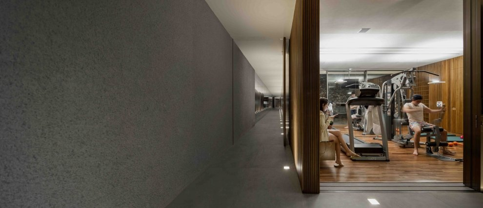 Marcio Kogan S Casa Lee Concrete House Wood Clad Hall