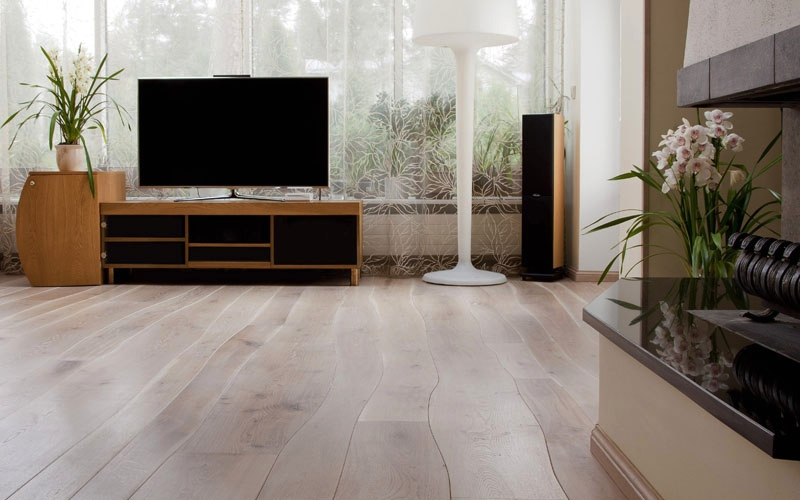 Bolefloor curved wood panels floors as nature intended - Hardwood floor living room design ...