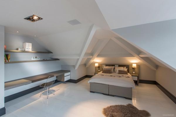 Clean Attic Bedroom Interior Design Ideas