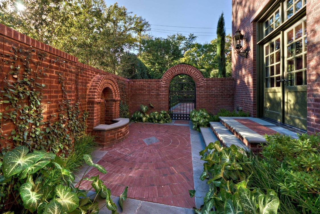 Garden Inspiration on Back Wall Garden Ideas id=17724