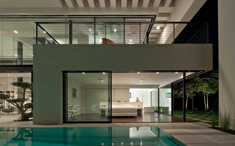 Bauhaus pool