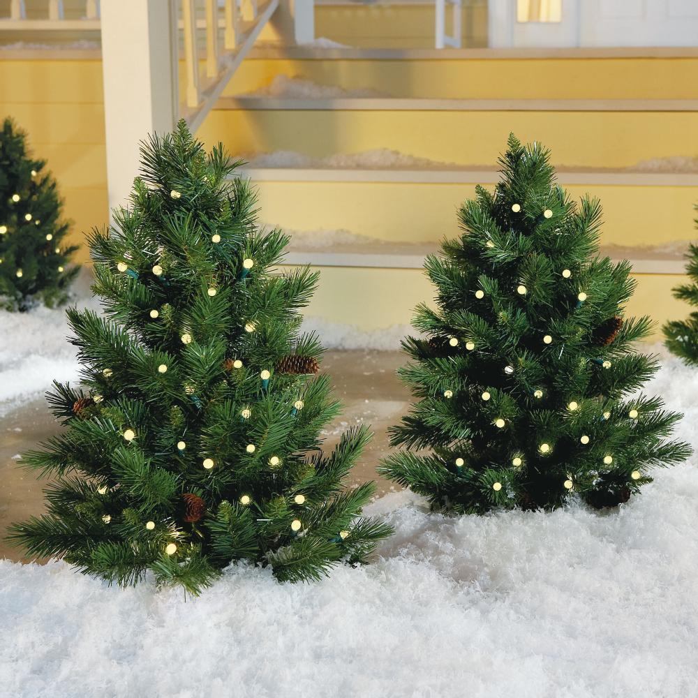 20-Mini-Christmas-trees TOP exteriérová výzdoba v sezóne Vianoce 2019!