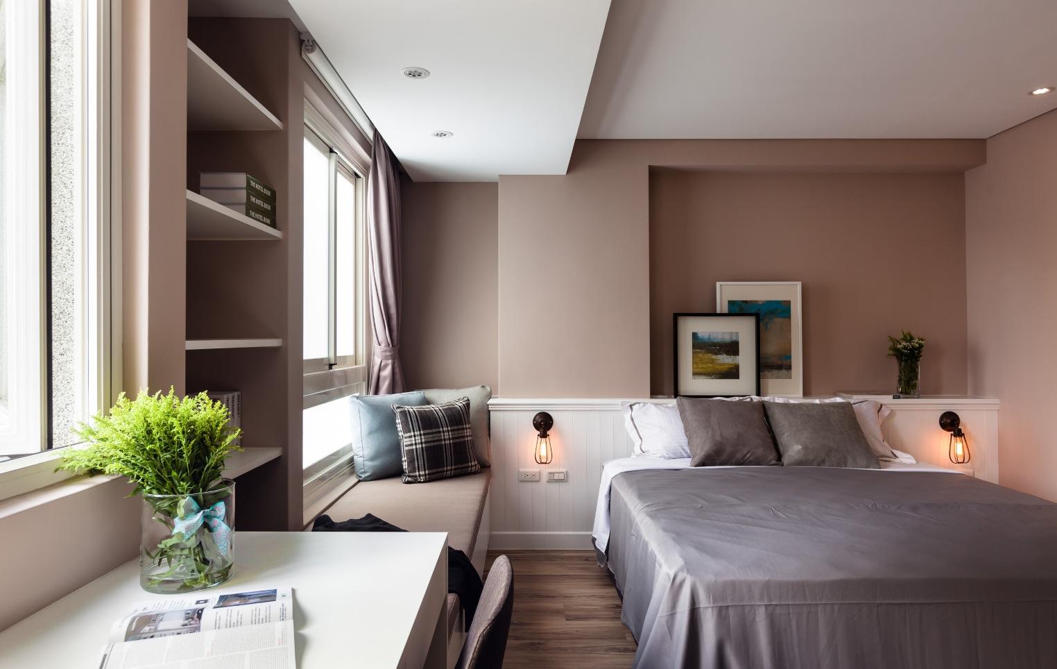 Vibrant Blue And Purple Apartment Decor