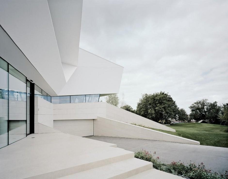 Contemporary Driveway Interior Design Ideas