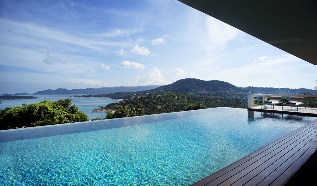 Infinity swimming pool | Interior Design Ideas.