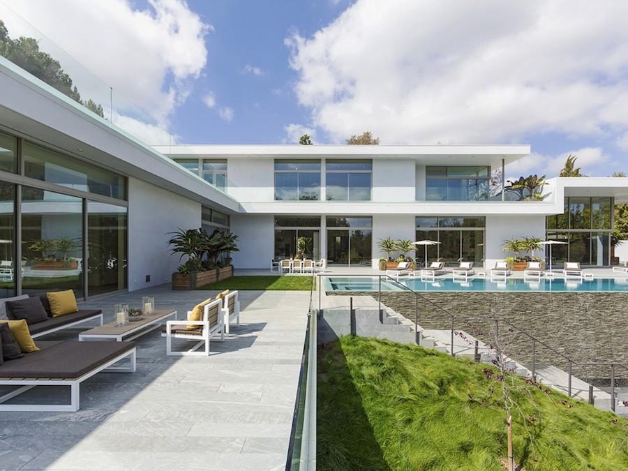 Hilltop Home In Bel Air