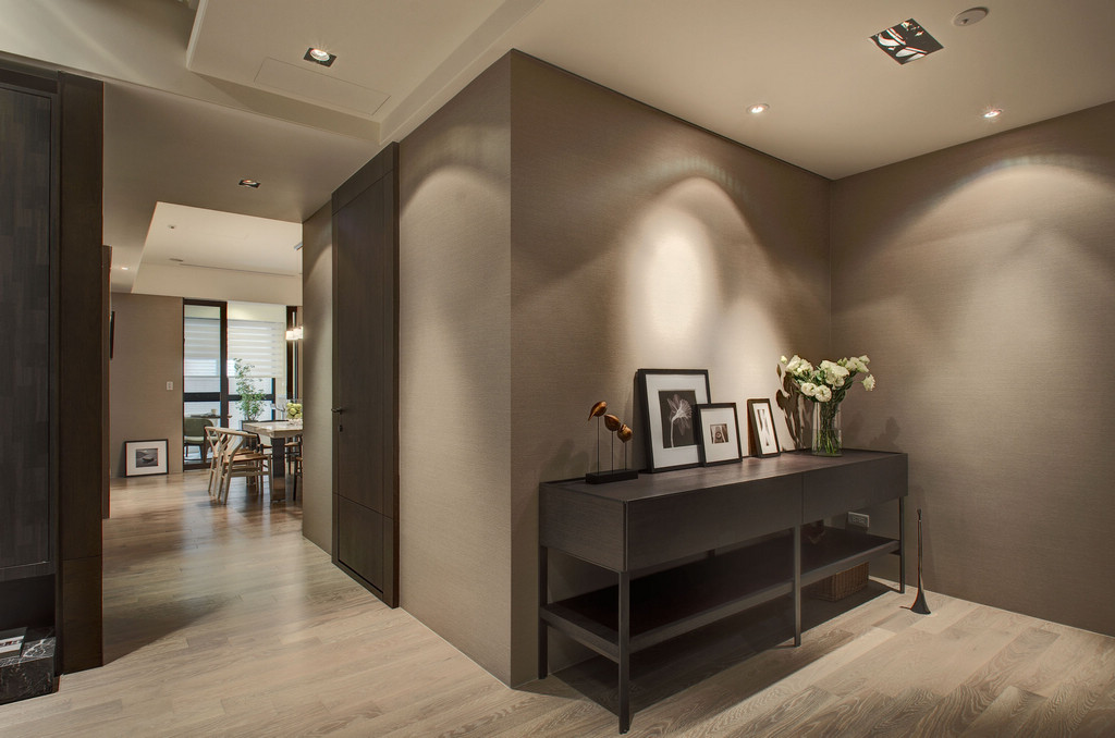 . Taupe decor   Interior Design Ideas