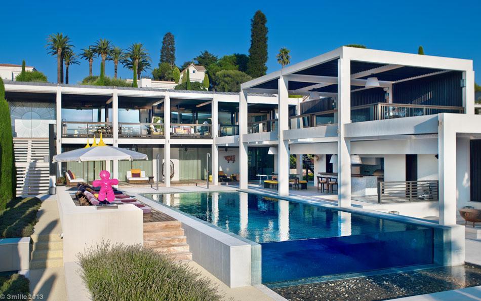 luxury villa in the antibes. Black Bedroom Furniture Sets. Home Design Ideas