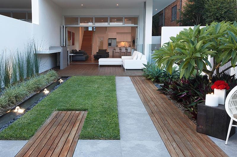 Small Lawn Landscape Interior Design Ideas