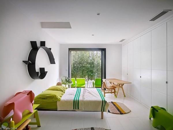 Các phòng ngủ là không lớn, nhưng màu sắc và đơn giản làm cho họ rất chào đón.