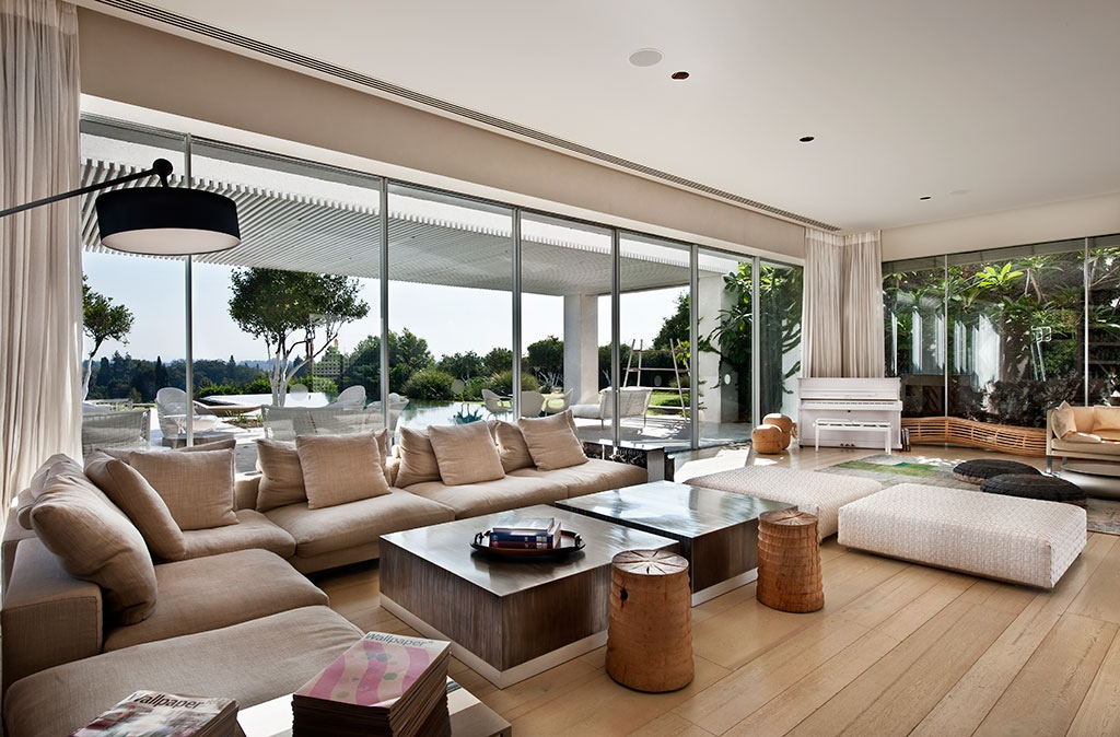 Tastefully decorated modern style villas close to nature