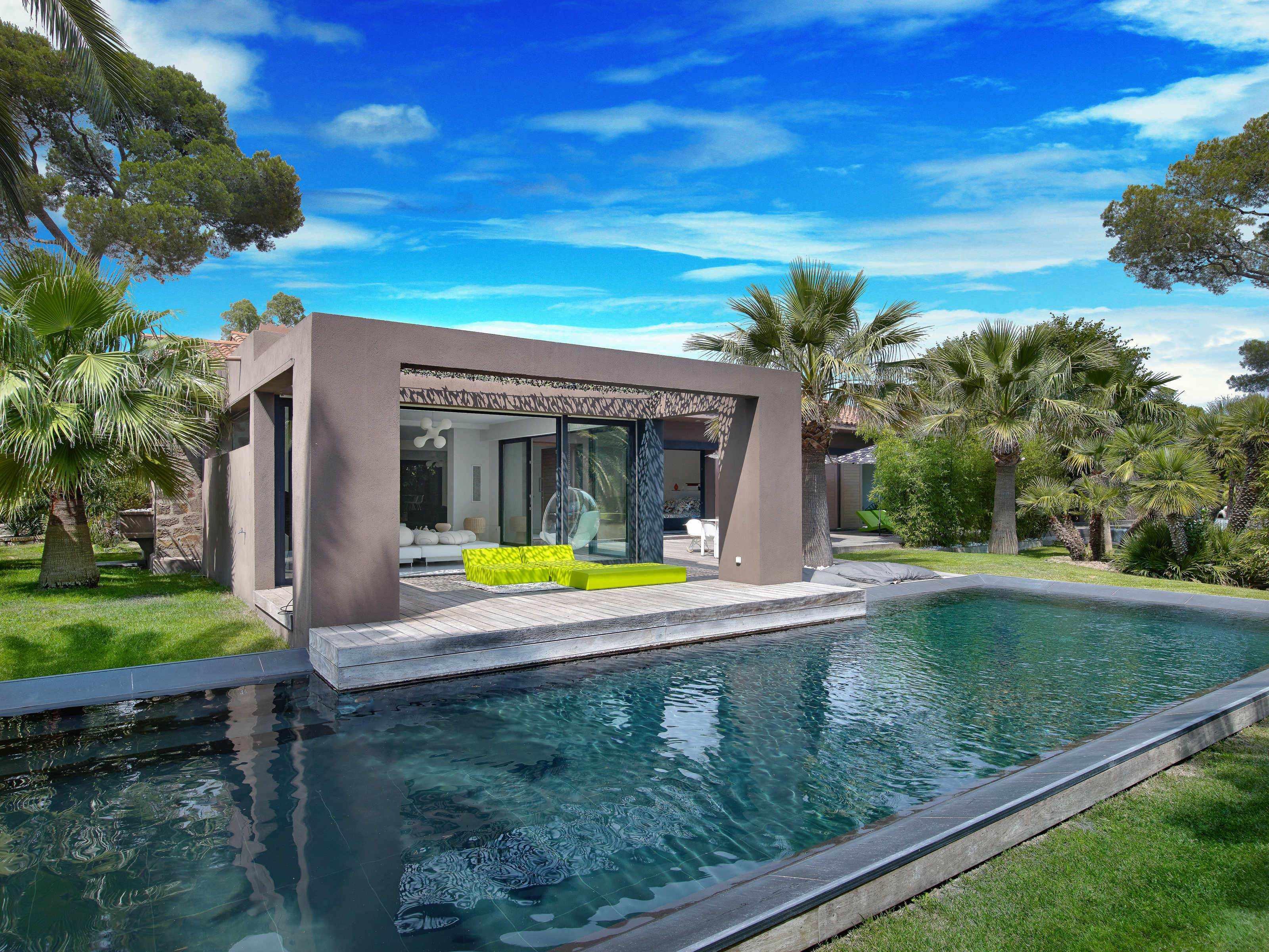 Style De Veranda Moderne playfully modern, pleasantly colorful & beautifully