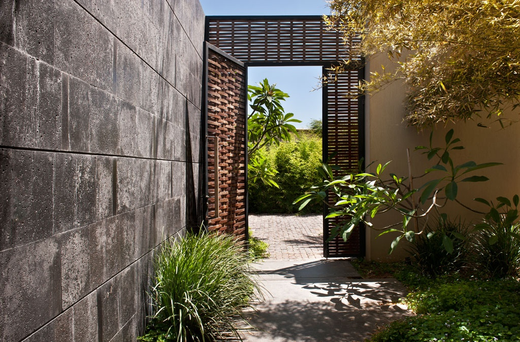Secret Garden Door Interior Design Ideas