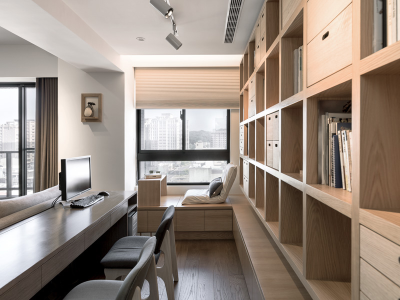 A Modern Apartment Celetes the Look of Natural Wood on natural wood exterior paint color, natural wood interior design, natural wood kitchen ideas, natural wood texture background,