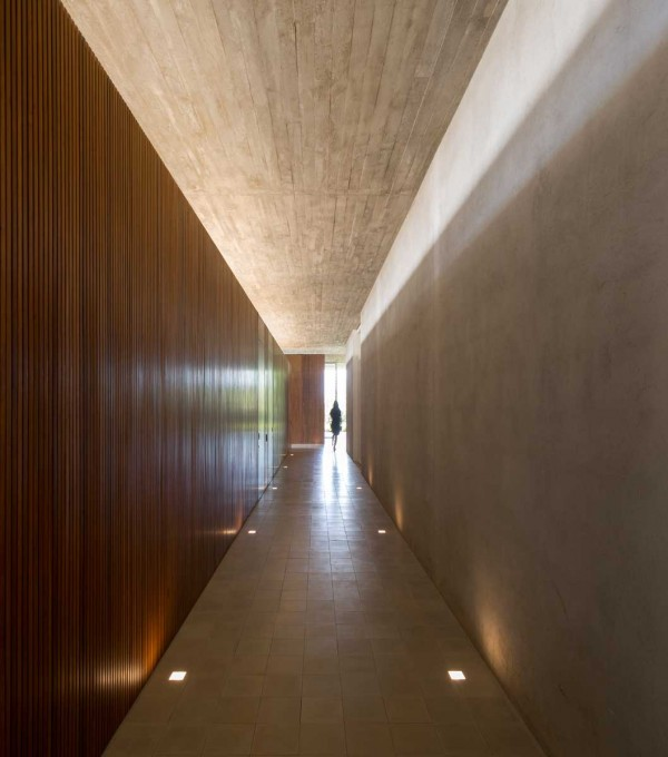 Corridor Design: Casa Redux: A Stunning Architectural Tribute To Stark