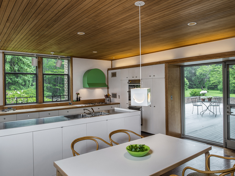 Kitchen Bath Remodel Gives Mid Century Home Modern Updates: The Dana House Is A Mid-Century Marvel In Connecticut