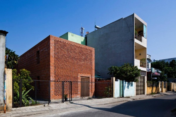 This home completed in 2014 sits on a 90 square meter 968 square