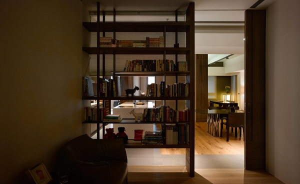 Pretty bookshelving two taiwan homes take beautiful inspiration from nature pretty bookshelving