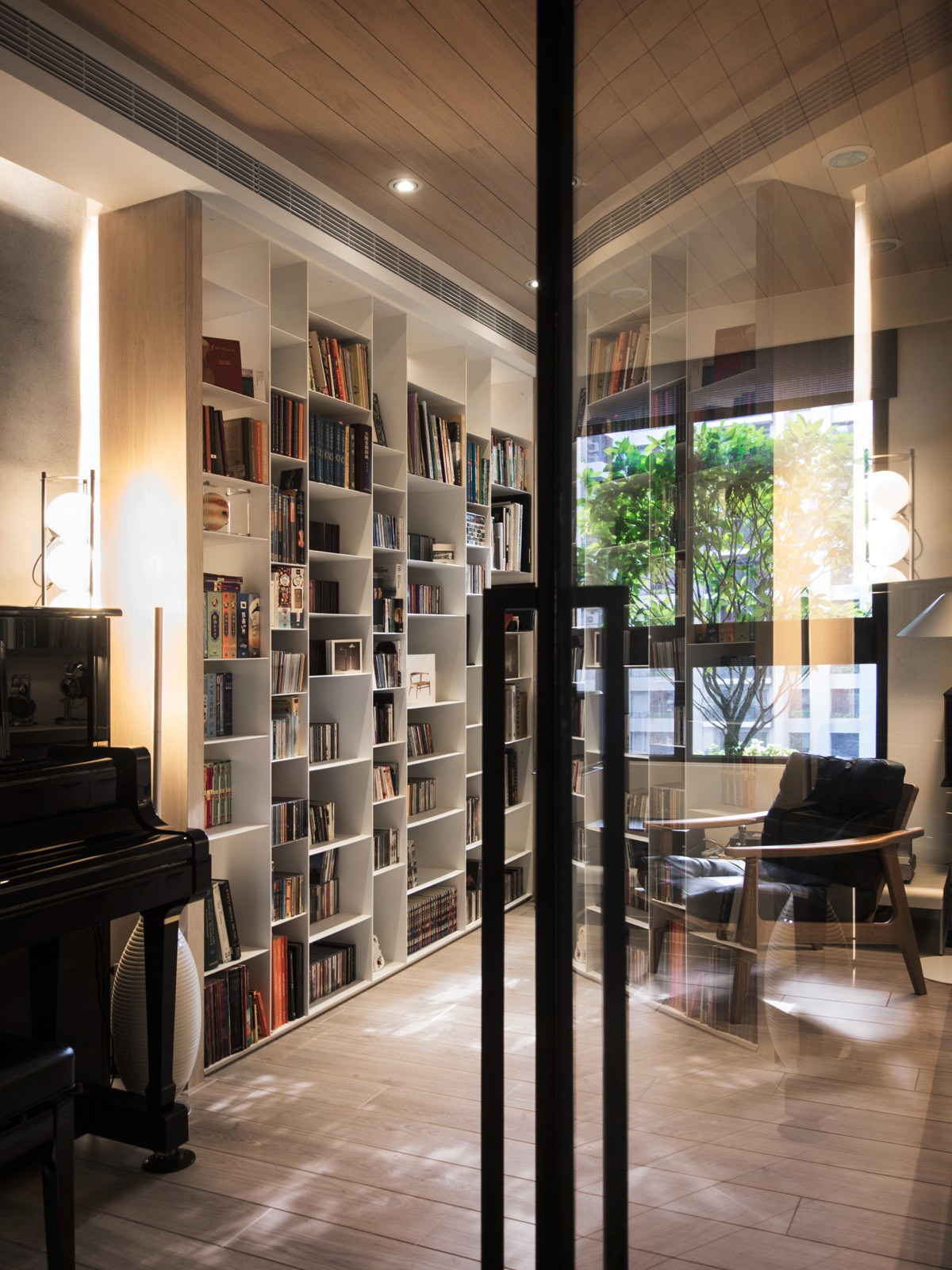 Reading Room Design Ideas: A Warm Wood Home In Taiwan With A Beautiful Cozy Reading Nook