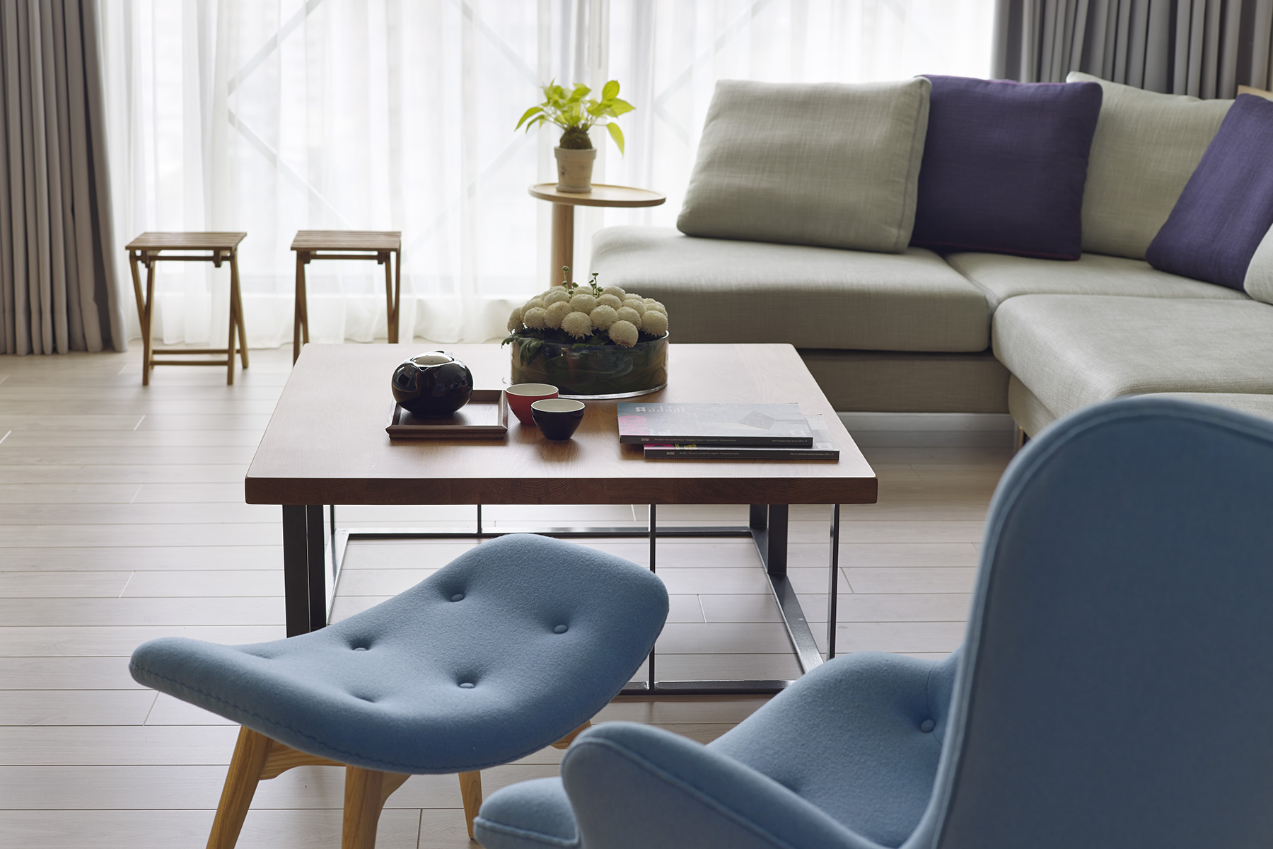 2 Beautifully Modern Minimalist Asian Designs