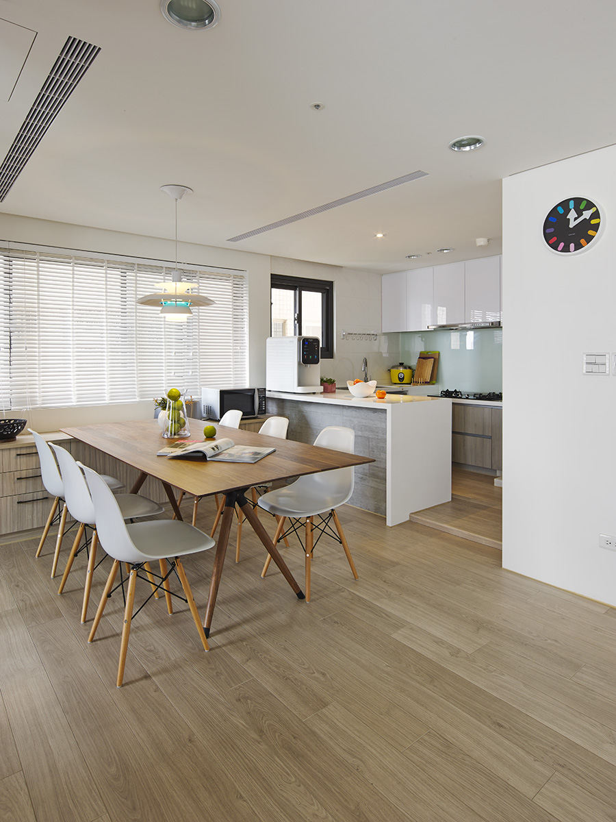 2 Beautifully Modern Minimalist Asian Designs: Modern Kitchen And Dining Area