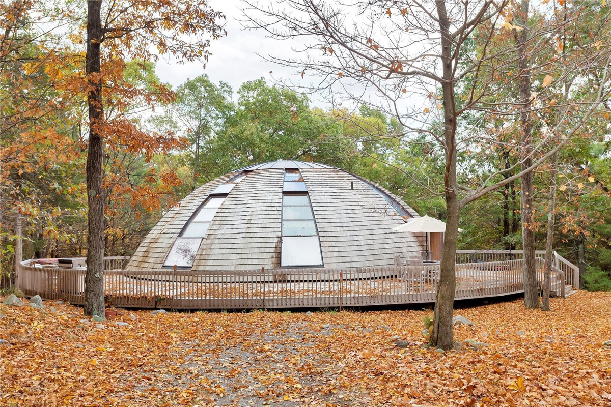 Wondrous Flying Saucer Shaped House Takes Design To New Heights Download Free Architecture Designs Xerocsunscenecom