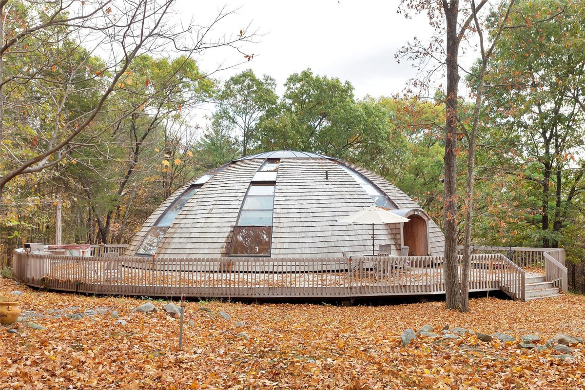 Pleasing Flying Saucer Shaped House Takes Design To New Heights Download Free Architecture Designs Xerocsunscenecom