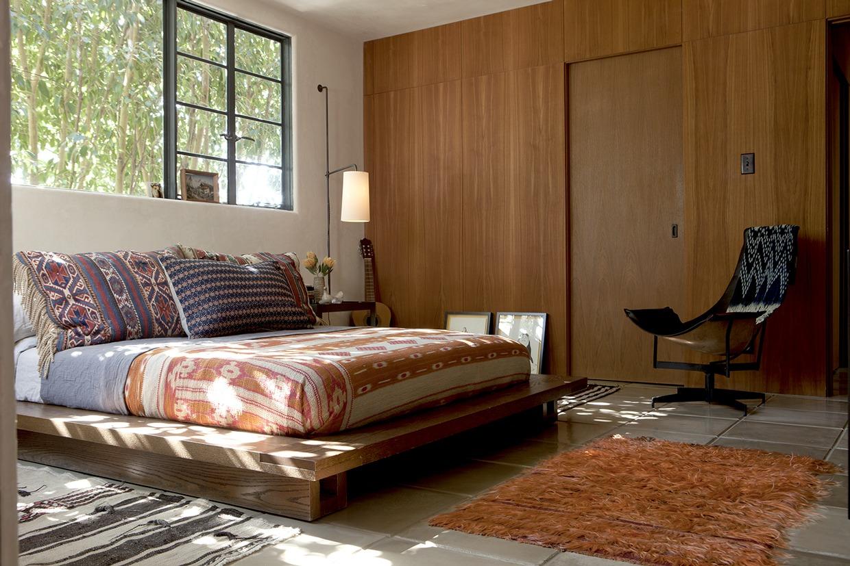 Retro Spanish Bedroom Interior Design Ideas