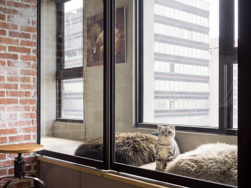 Loft Window Seat Interior Design Ideas