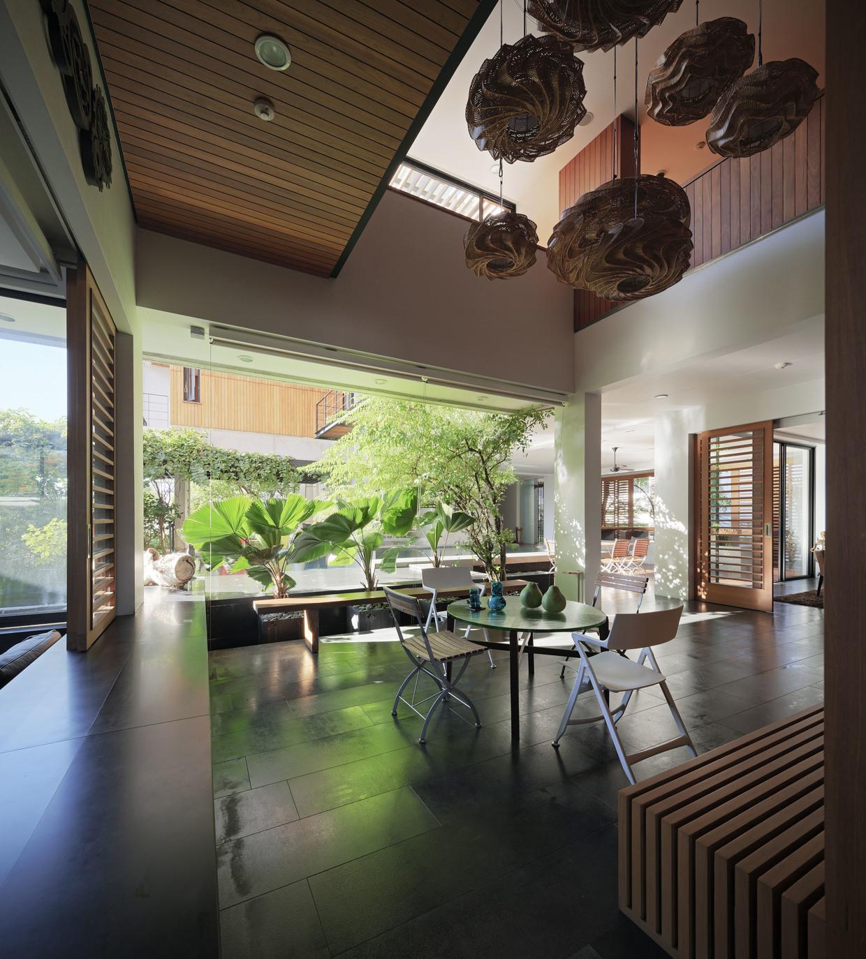 Modern Home Interiors: Modern Thai Home Inspiration