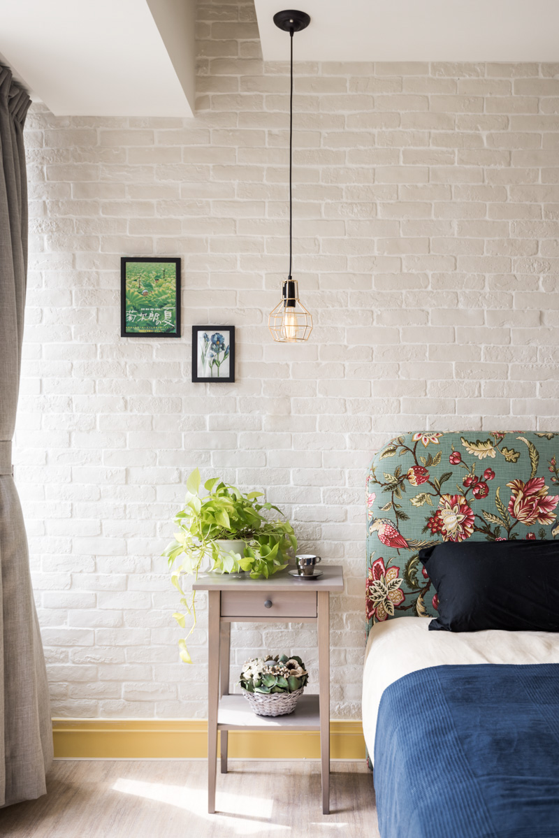 White Brick Bedroominterior Design Ideas