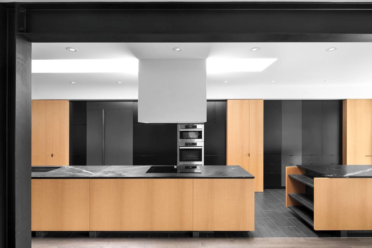 Black White Amp Wood Kitchens Ideas Amp Inspiration