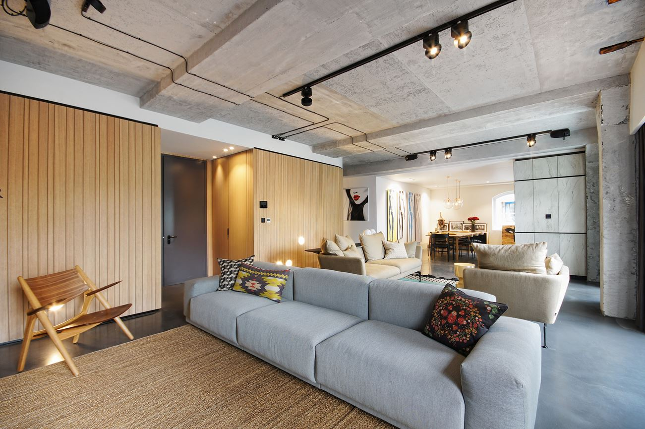 Modern Warehouse Renovation At Historic Ransome's Dock