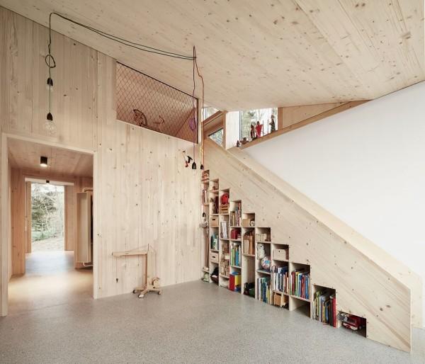 Staircase accentuates the simple interior design architect jochen specht