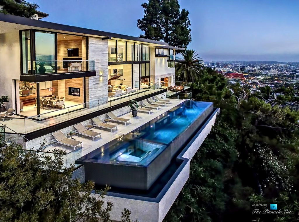 A modern california house with spectacular views - Indoor swimming pool in los angeles ...