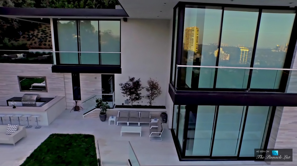 Modern alifornia House With Spectacular Views - ^