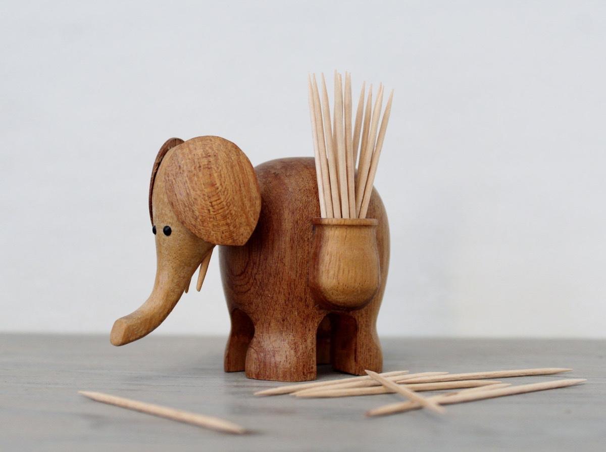 wooden elephant toothpick holder | Interior Design Ideas. on elephant art, elephant furniture, elephant bathroom, cat design home, elephant logo design, elephant graphic design,