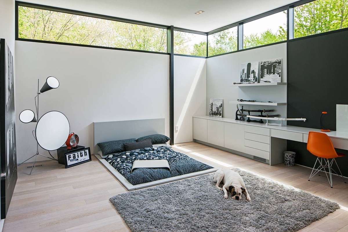 Some bedrooms can gain a sense of spaciousness from a ...