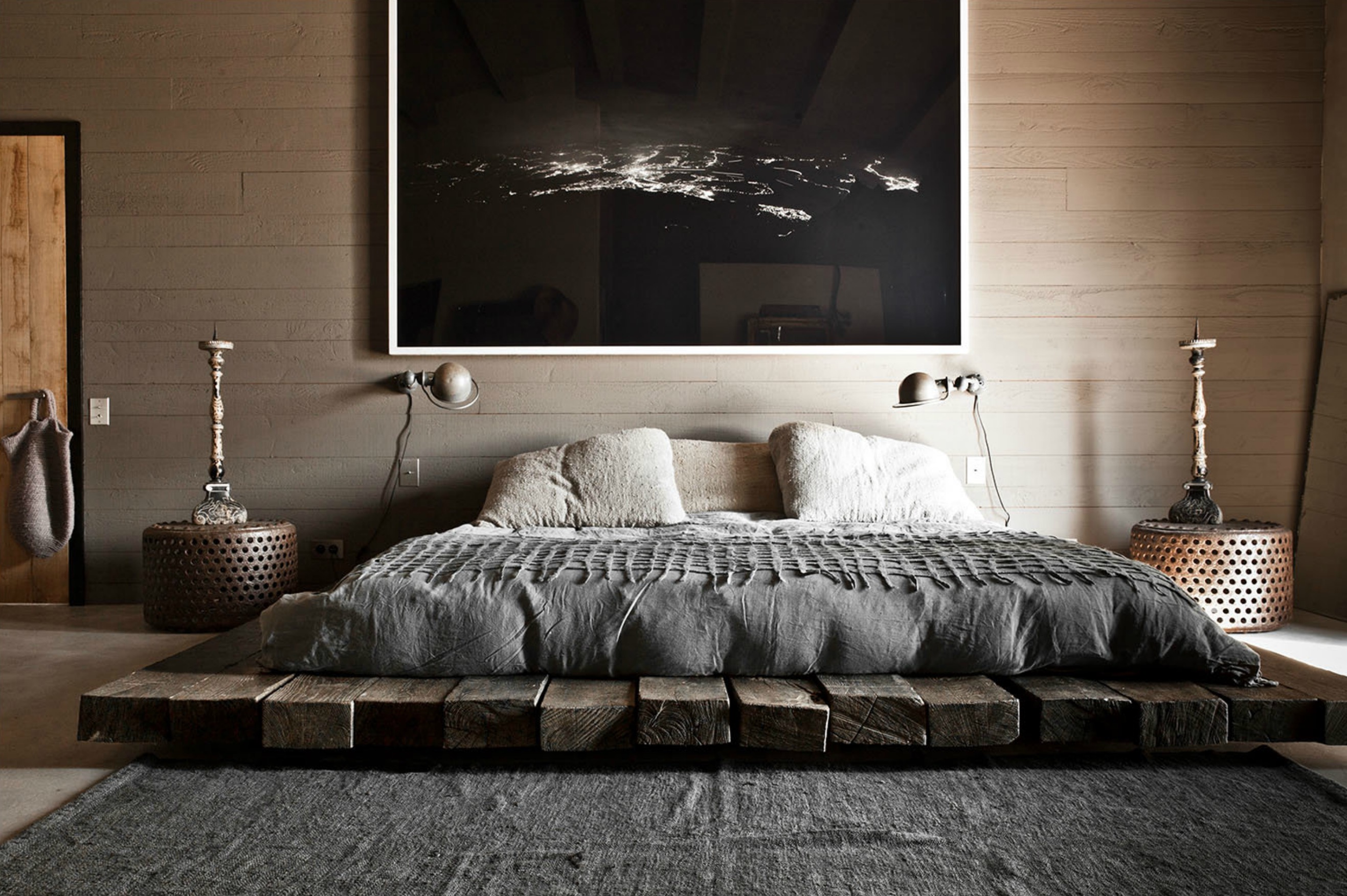 10 Low Height & Floor Bed Designs That Will Make You Sleepy