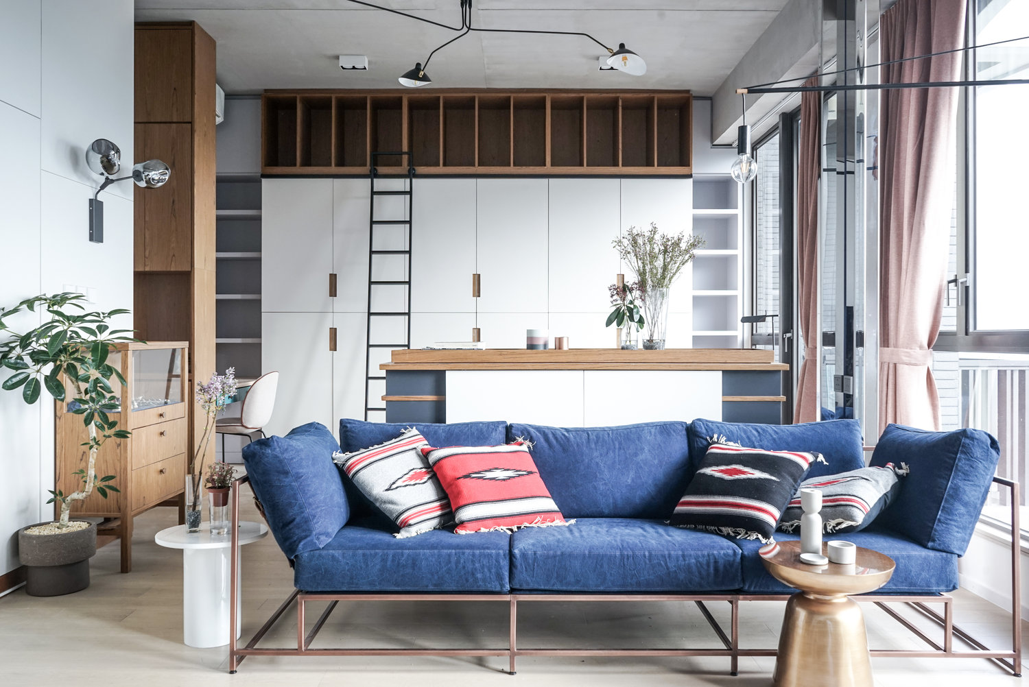 3 small studio apartments that exude luxurious space - Small couch for studio ...