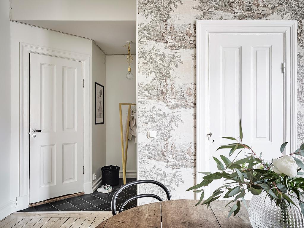 Black Amp White Scandinavian Interiors That Explore The Dark